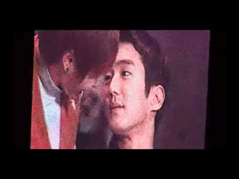 [Cut+ENGSUB] 101106 Leeteuk kissed on Siwon's cheek