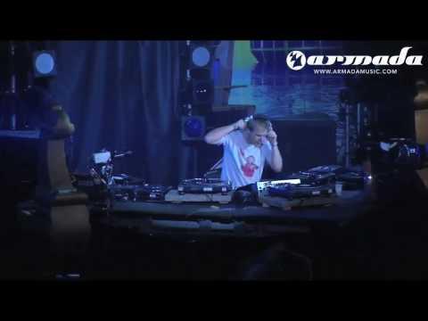 Armin van Buuren - Control Freak (Sander van Doorn Remix) (Armin Only 2005)