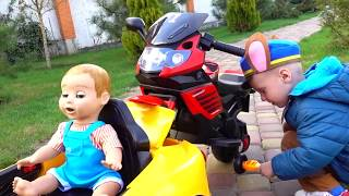 Funny doll and Funny Max Driving Car