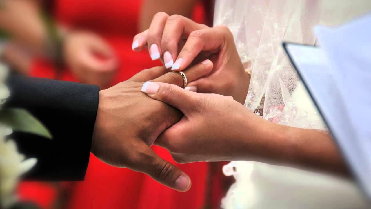 Nikon D7100 Wedding Photography: Nikon's 18-200mm Lens For Wedding Photography