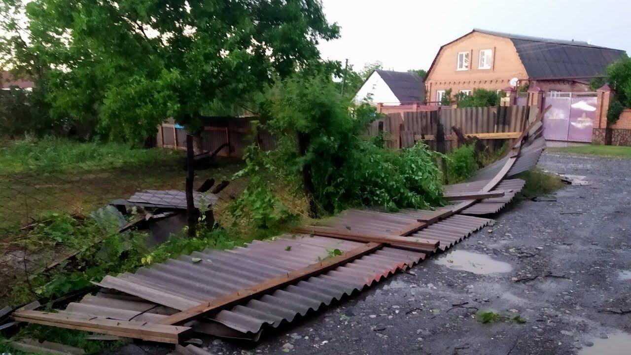 Северный Кавказ: жертвами урагана стали 12 человек