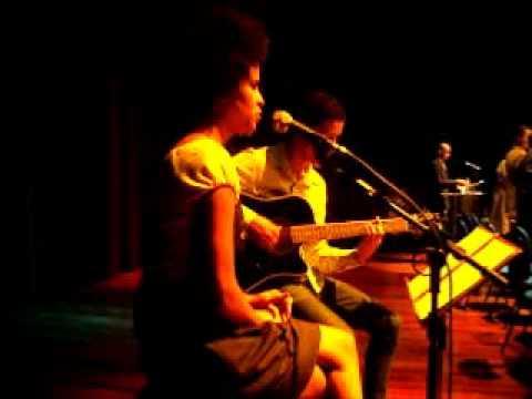 Baixar Padre Marcelo Rossi (Pai Nosso) Formatura, cantado: Jaqueline Balduino & Rafael Chagas