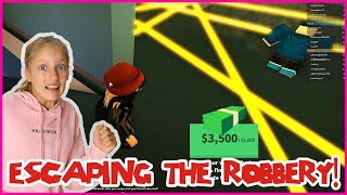 Escaping the Robbery at The Jewelry Store!