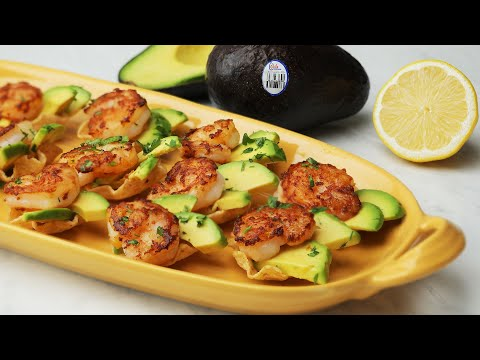 Shrimpcado Bites // Presented by Avocados from Chile