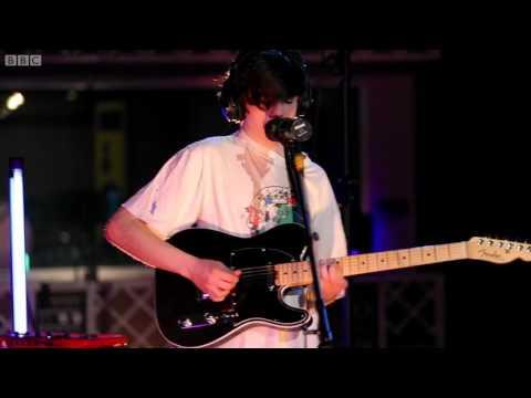 Declan McKenna Isombard live