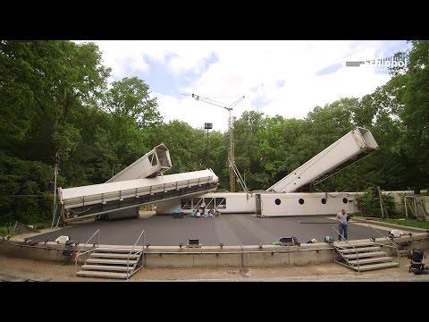 Passagiersbruggen als decor bij Romeo & Julia in Bostheater
