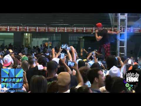 Baixar RIO PARADA FUNK 2014 - Baile do Dennis DJ (Participação Mc Neblina, Mc Tarapi, Mc Smith & MC K9)