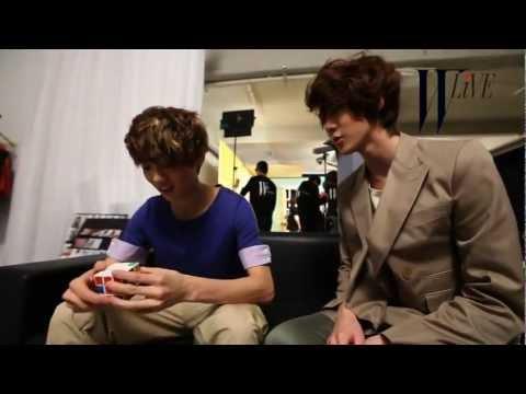 LU HAN solving a Rubik's Cube