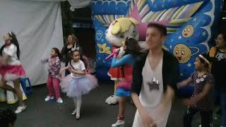"Tatiana-ChikiTatis ""La Patita Lulú bailando con las mamis mitoteras"""