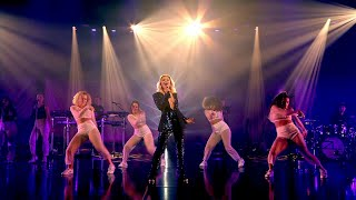 Zara Larsson Performs 'Look What You've Done'