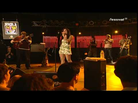 Amy Winehouse Live 8th September 2004 at New Pop Festival FULL SHOW