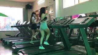 Cô gái nhảy cực chất trên máy chạy !!
