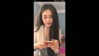 Bigo live show Linh Lai khoe vòng 1 khủng trên bigo live