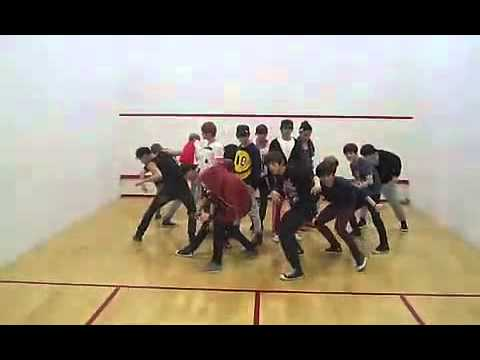 [chanyeolismine] SHINee & EXO rehearsal in squash court for MAMA special stage