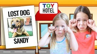 Sandy's Missing from the Toy Hotel !!!
