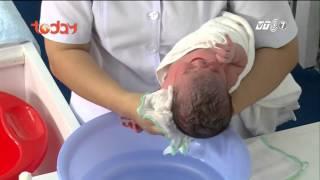 Làm mẹ tập 7 - P2 - Hướng dẫn cách tắm và chăm sóc rốn bé [Kỹ năng]