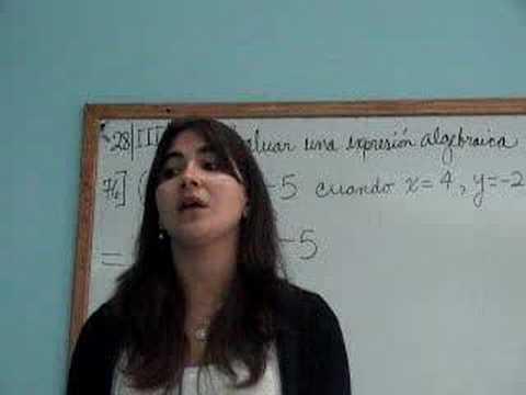 Senora mexicana nalgona de compras en la tienda - 1 1