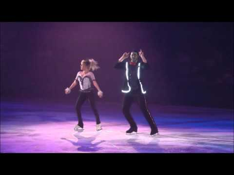 Denney & Coughlin, 'Uptown Funk': Halloween on Ice 2015, Syracuse, NY