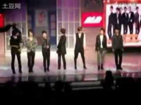 [091015]Super Junior's Kyuhyun Laughing at Who?