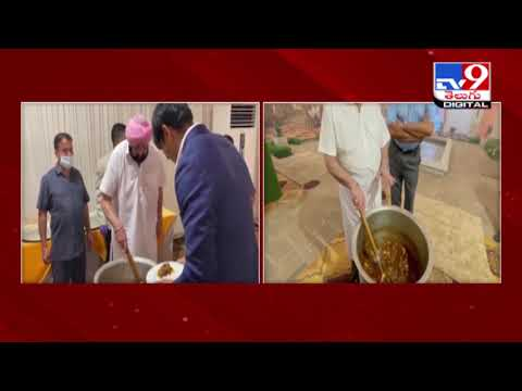 Punjab CM cooks and serves a lavish dinner for state Olympic medal winners