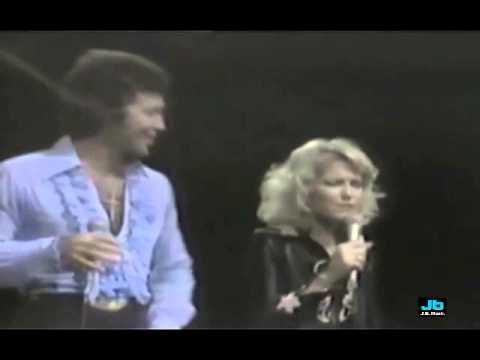 Tanya Tucker and Tom Jones - Help Me Make It Through The Night