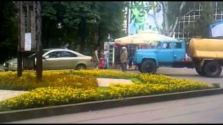 Mașină parcată ilegal în parcul Catedralei #Chișinău