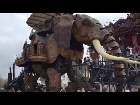 Amazing Elefant Mechanic Robot in Nantes France