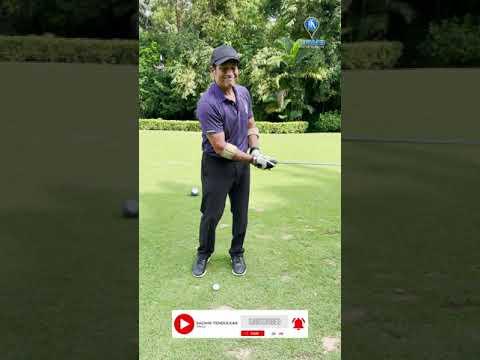 Yuvraj Singh teaches Sachin Tendulkar how to play Golf left-handed: International Lefthanders Day