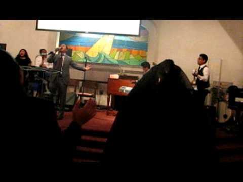 SM Apostolic-Mi Dios Es Digno