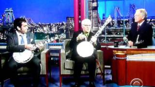 Noam Pikelny & Steve Martin play Duelling Banjos on Letterman Nov 5 2010