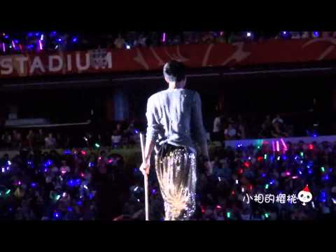 [Fancam] 121125 SMT in BKK TAO Wushu & Dance Battle performance