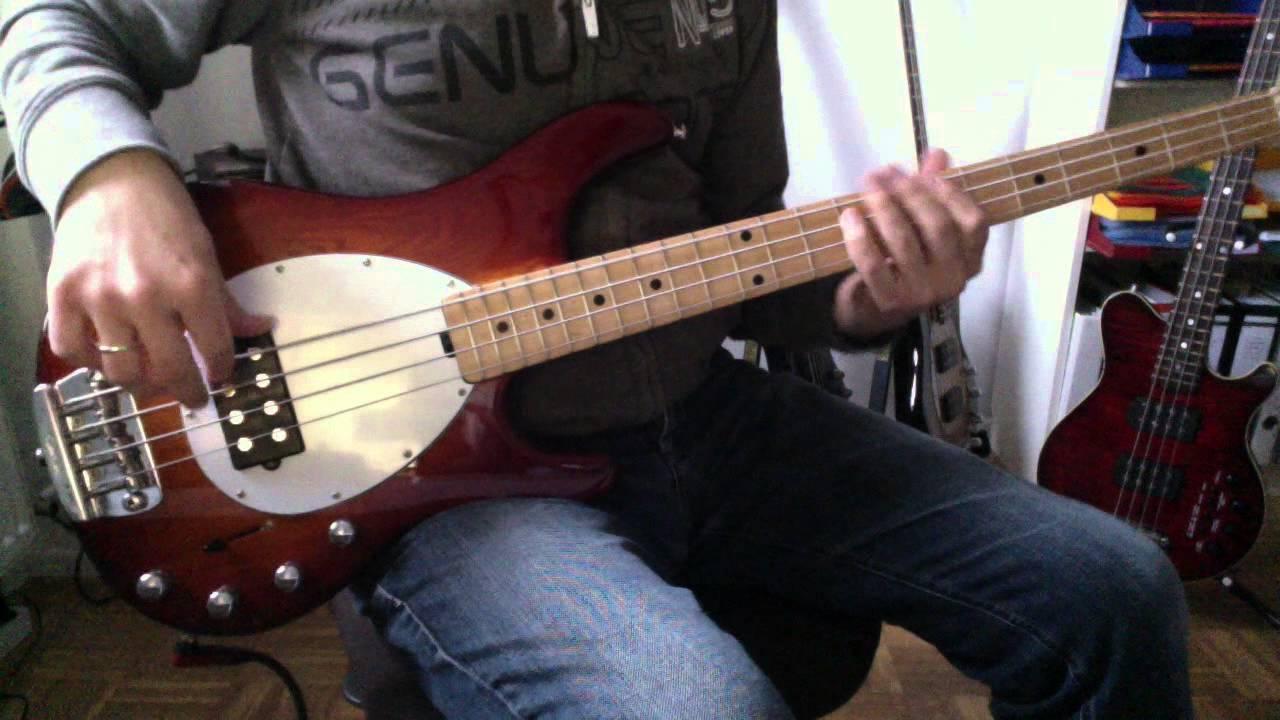 Musicman Sterling Bass Vs Stingray : music man stingray vs sterling usa youtube ~ Hamham.info Haus und Dekorationen