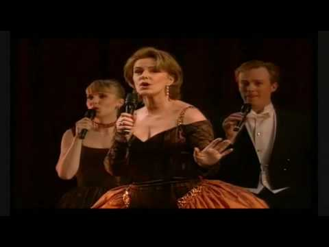 Frida (ABBA) and The Real Group - Dancing Queen