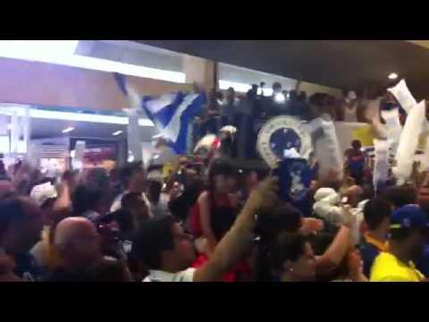 Baixar Desembarque do Cruzeiro no Aeroporto de Confins