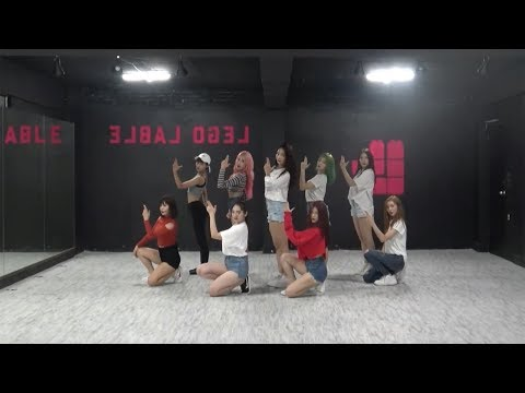 MOMOLAND (모모랜드) - BAAM Dance Practice (Mirrored)