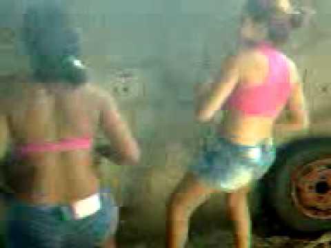 Baixar vídeo Brenda e Suellen Tiroteio Com Bumbum