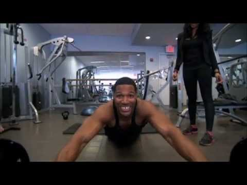 Michael Strahan Shows His Workout Secrets on