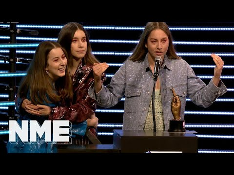 Haim win Best International Band supported by 19 Crimes | VO5 NME Awards 2018