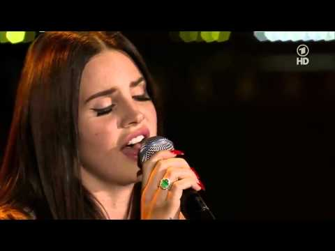 Baixar Lana Del Rey - Summertime Sadness (live at New Pop Festival HD)