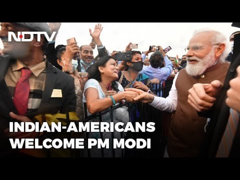 PM Narendra Modi arrives in Washington, Indian-Americans welcome him
