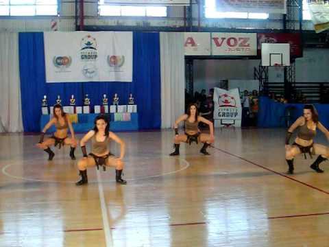 Pato sena y sus chichis - coreografia de reggaeton