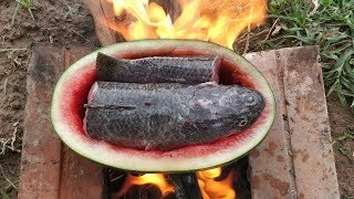 Cooking Fish in Watermelon Fruit / Eating Fish with Sauce