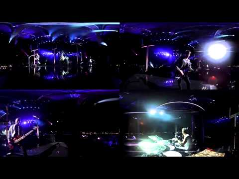 Muse - Plug In Baby Live Reading 2011 (360° Multi-cam)