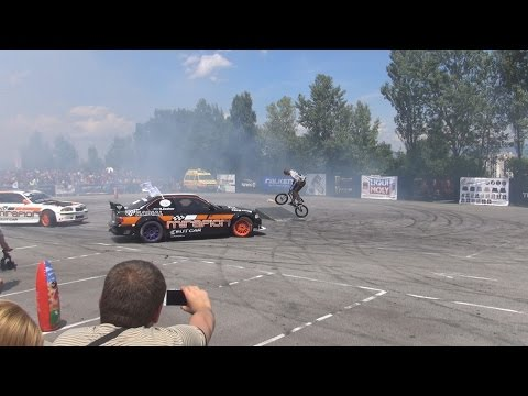 Bicycle stunts and car drifts at Tuning BG Show 2016 in 3D