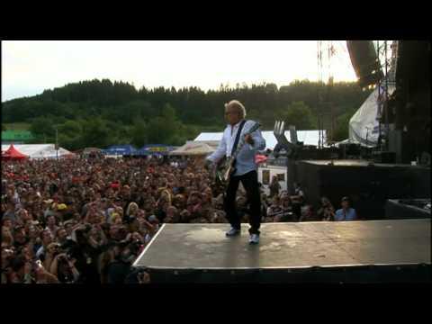Dirty White Boy -Foreigner -Alive & Rockin' DVD