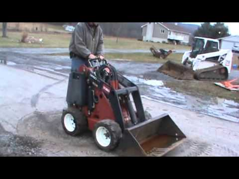 2006 Toro Dingo 220 Rubber Tired Mini Skid Steer Loader 2