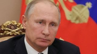 Putin signs new law listing US media as government agents