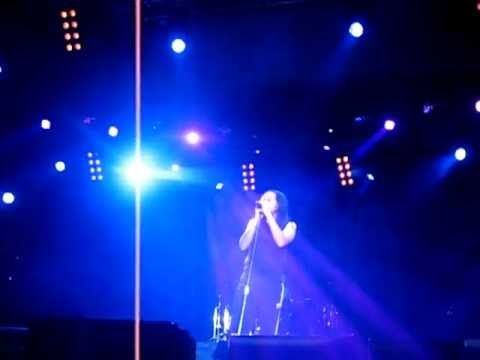Baixar Korn - Alone I Break (Make It Go Away) @ Minsk, Belarus,  26 May 2011