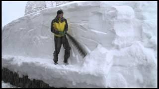 Life with Snow 3 Snow Saw 雪ノコで雪切り