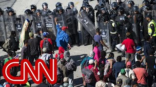 US closes San Ysidro crossing as migrants rush border
